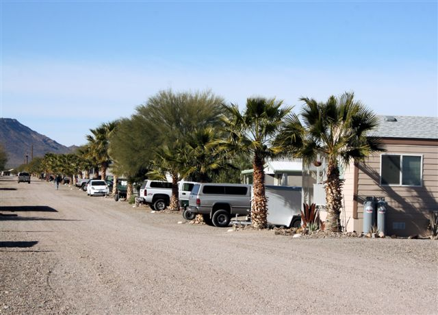 Black Rock RV Village - Desert Row
