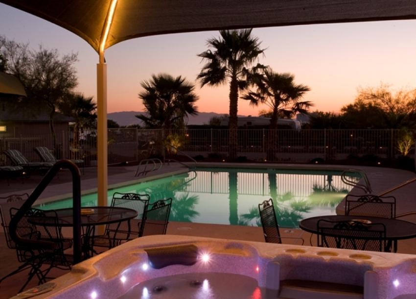 Black Rock RV Village - Pool at sunset